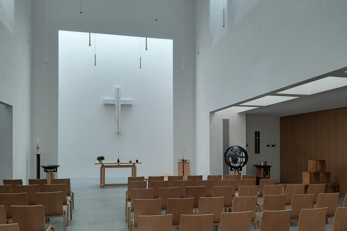 Genezareth-Kirche Aachen, Weltkugelleuchter