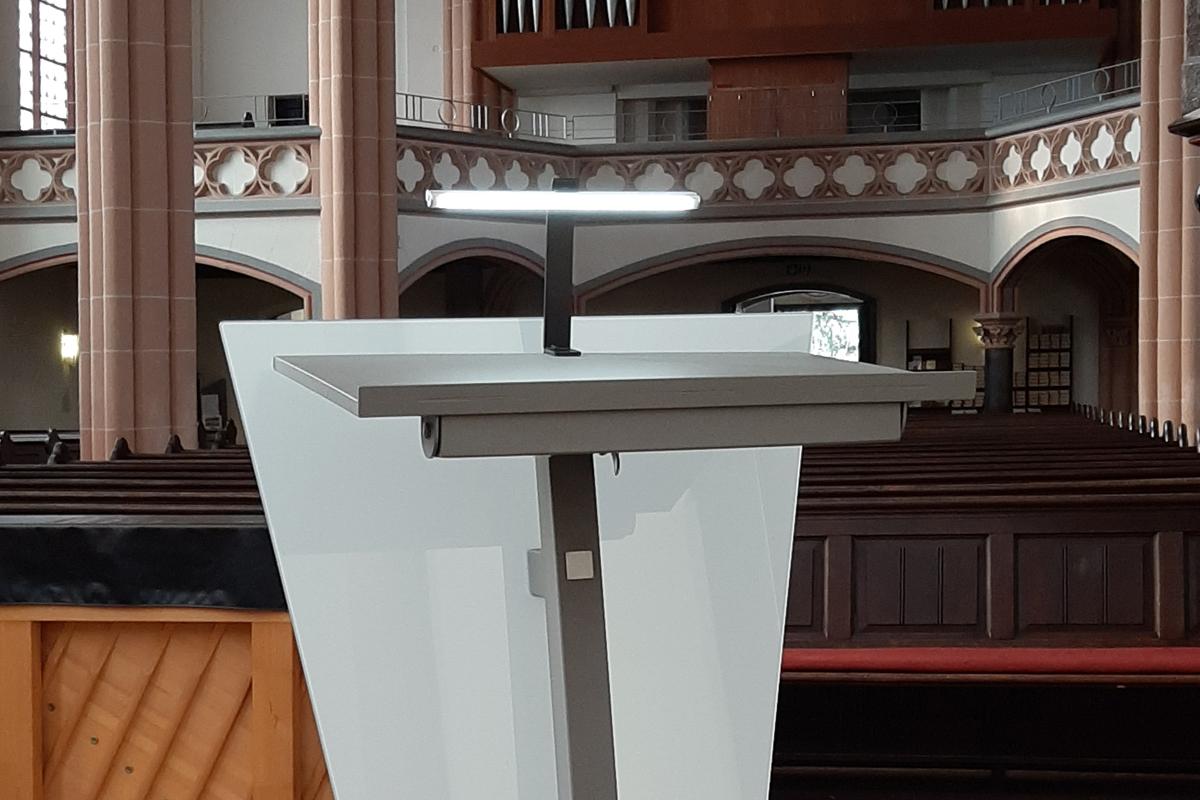Ambo für die Kreuzkirche Viersen